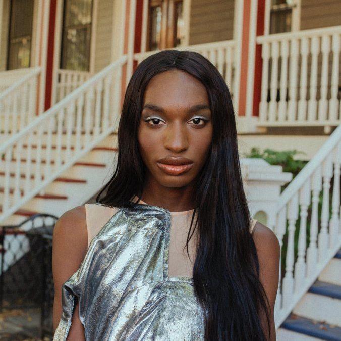 Nan Goldin e altri artisti online per sostenere transgender e lavoratrici sessuali